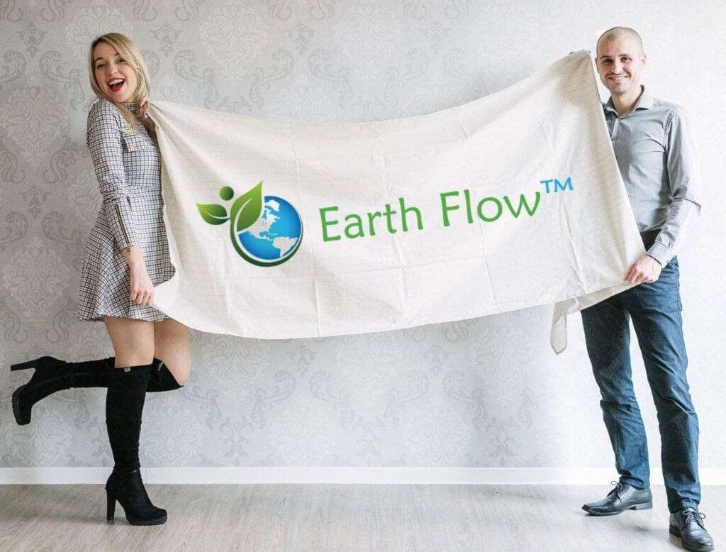 Nadja Ogrinc in Nejc Volarič - Ozemljitvena rjuha Earthflow